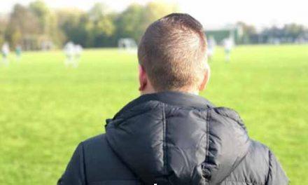 Op een dag dat voetbal helemaal niet belangrijk blijkt te zijn, speelt het vierde gelijk